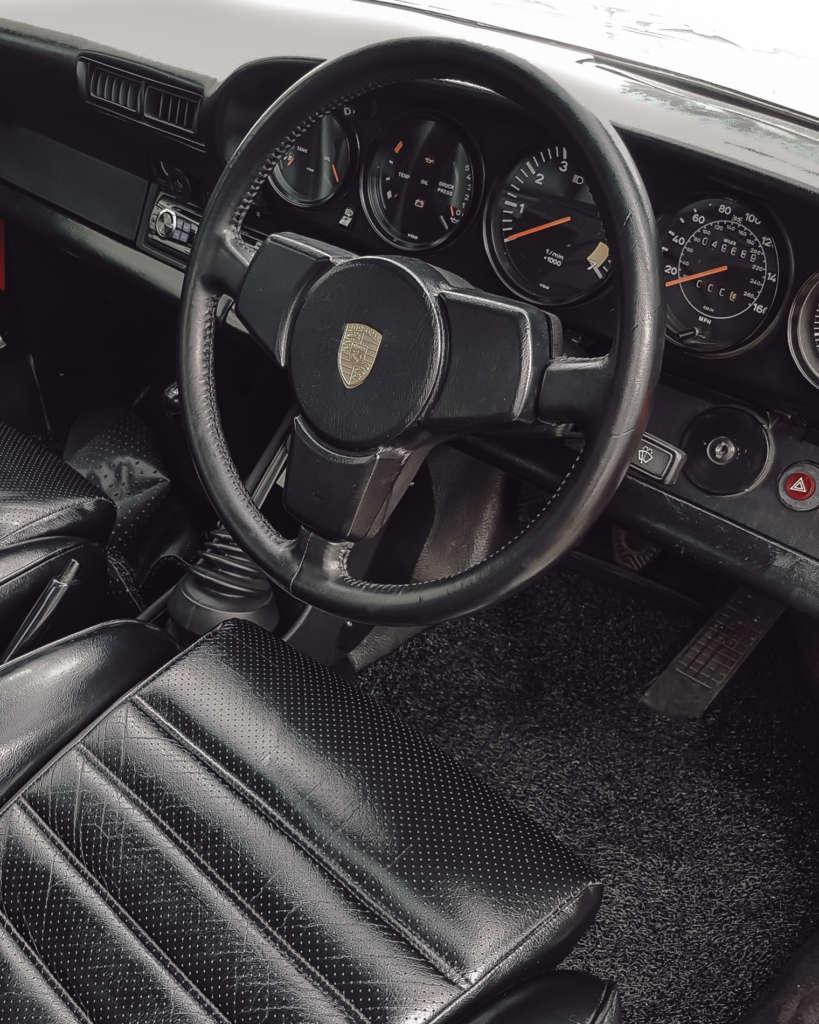 Porsche 911 3.2 Carrera in rot