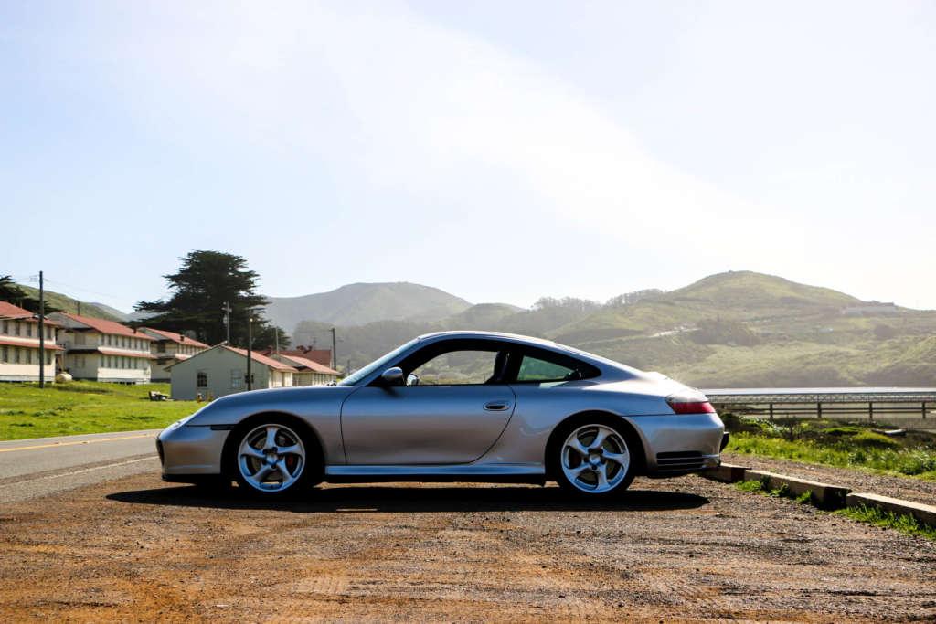 Porsche 996 Carrera 4S in silver