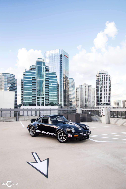 Porsche 911 RSR schwarz