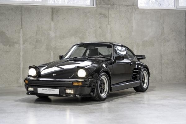 Porsche 930 Turbo Slantnose
