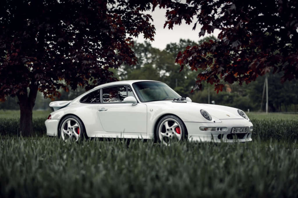 Porsche 993 Turbo in Snow White for sale