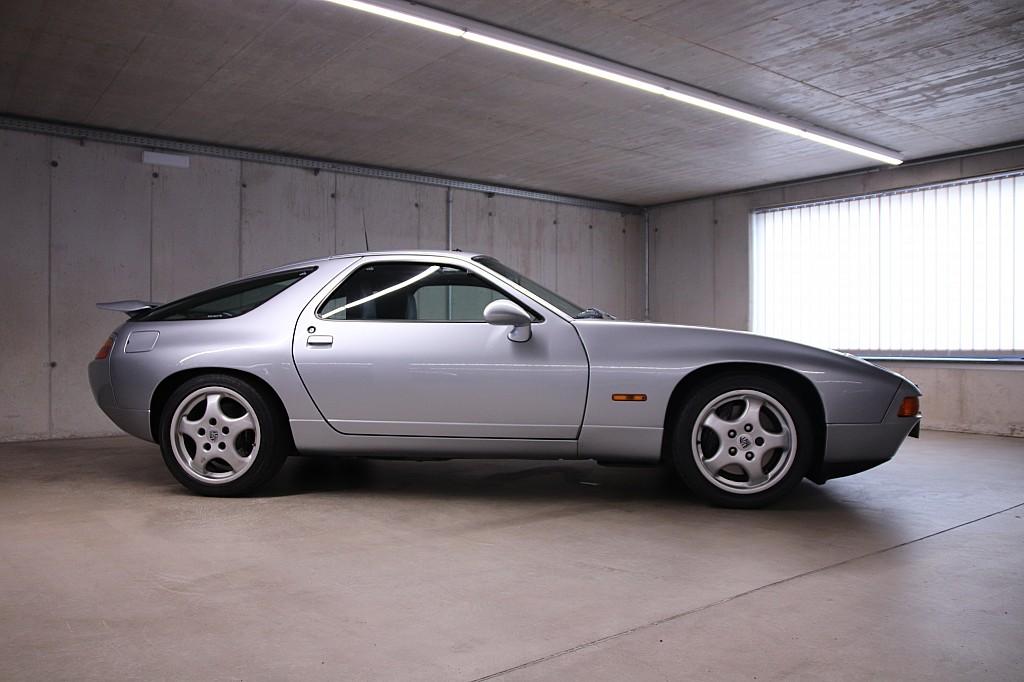 Porsche 928 GTS