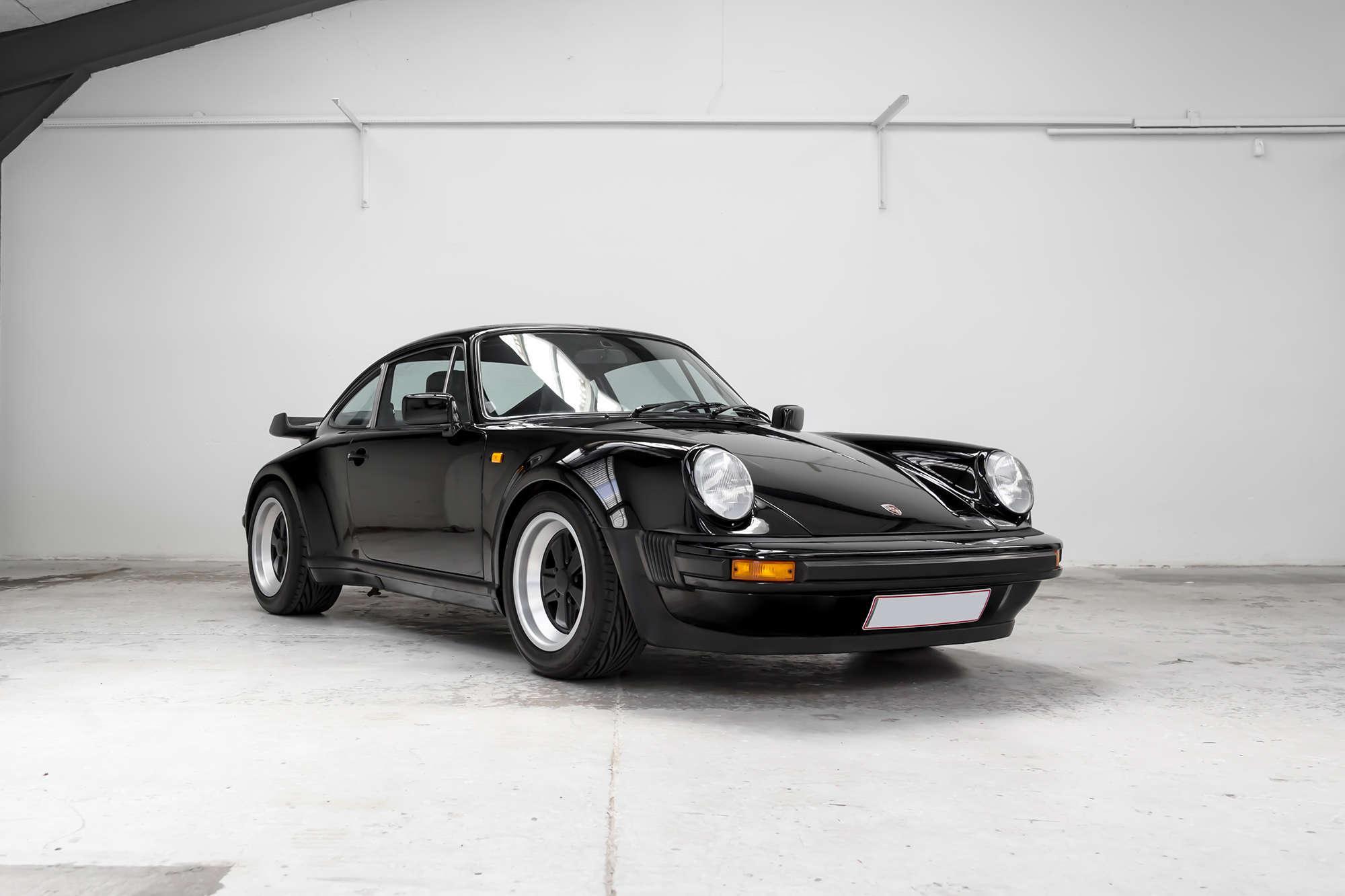Porsche 930 Turbo in black for sale
