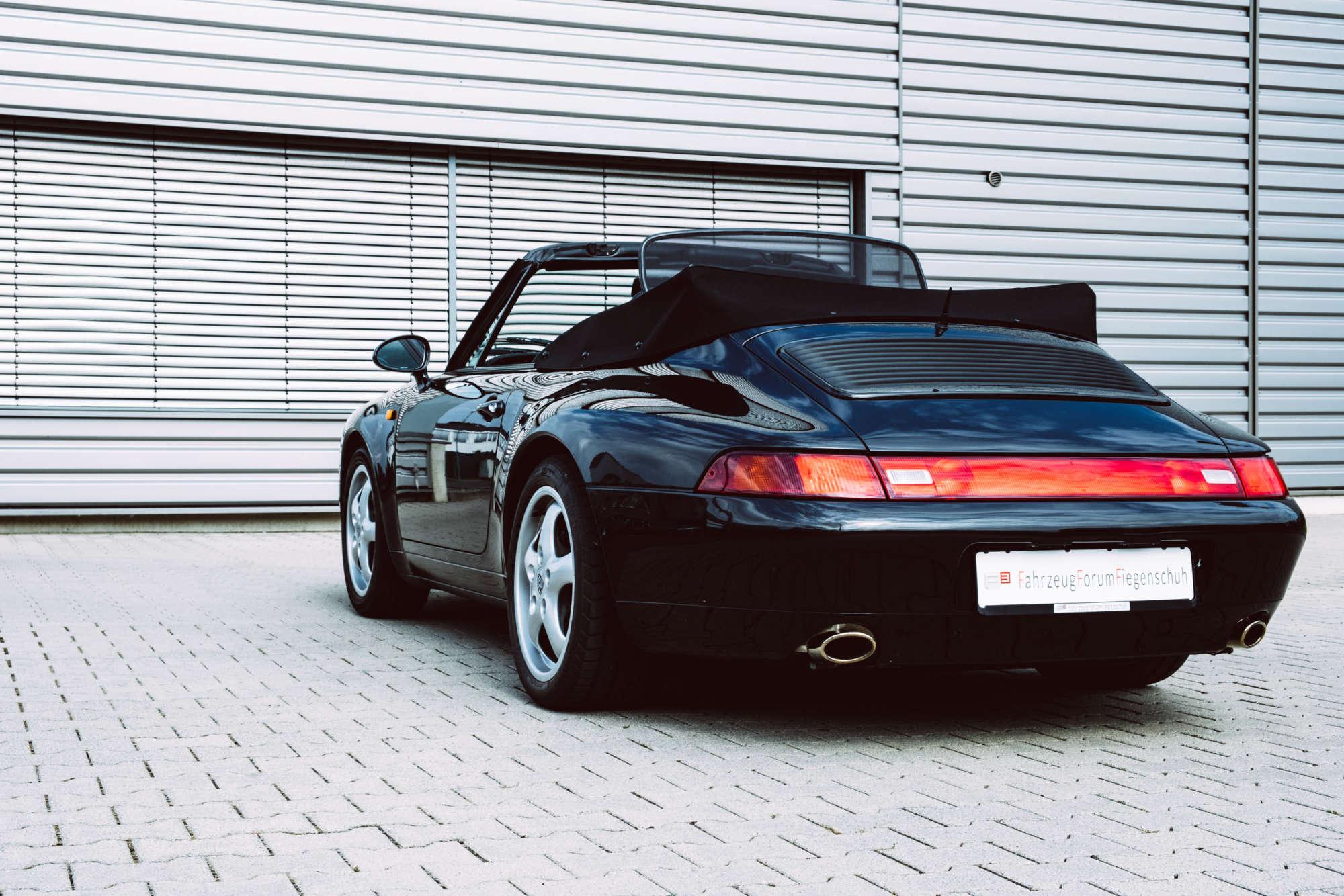 Porsche 993 Carrera Tiptronic Cabriolet black schwarz Fiegenschuh rear end