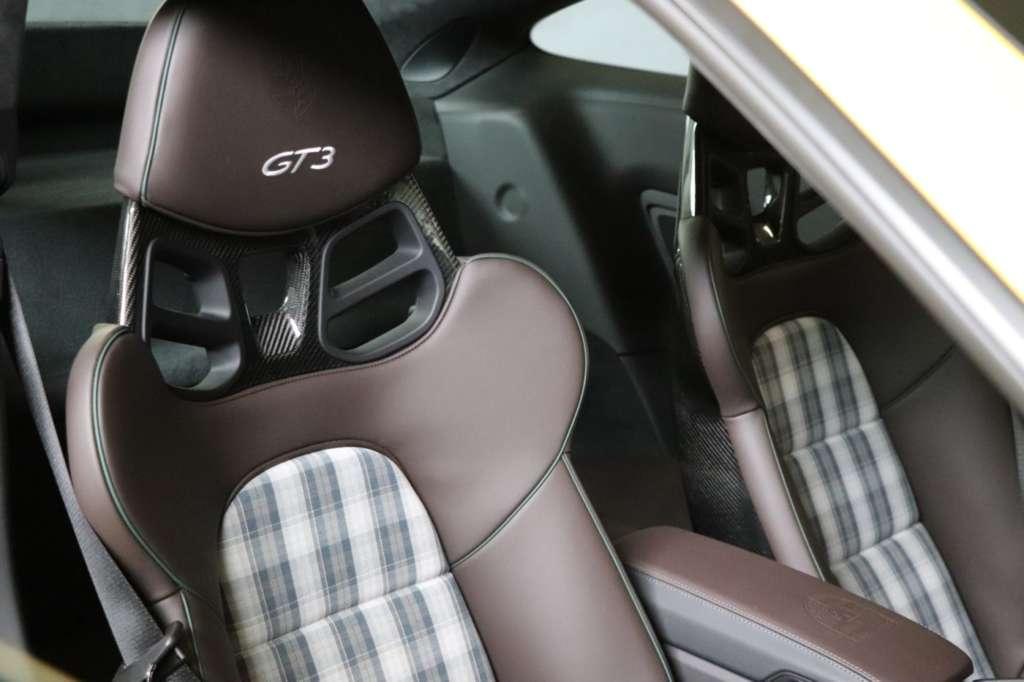 Schottenkaro Porsche 911 GT3 Touring cloth seats Motorlegenden