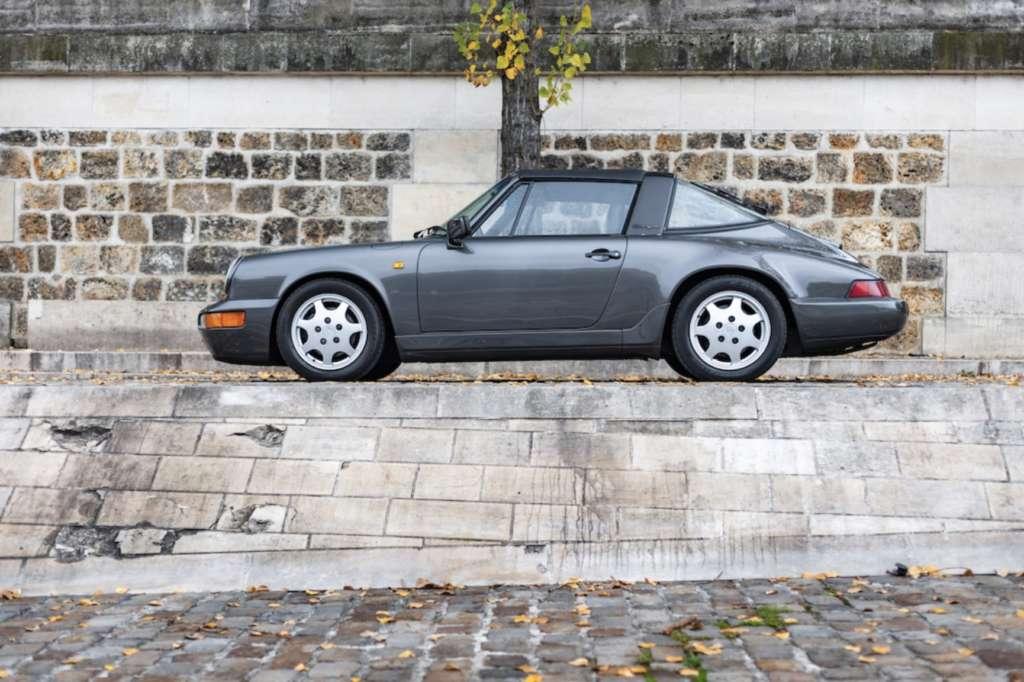 Porsche 911 Targa in gray