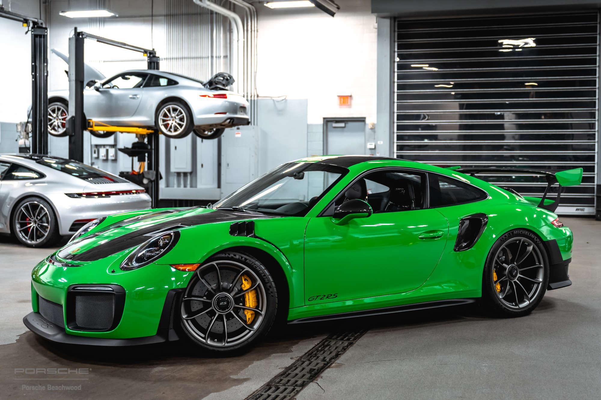 Porsche Green – From Auratium Green to Viper Green