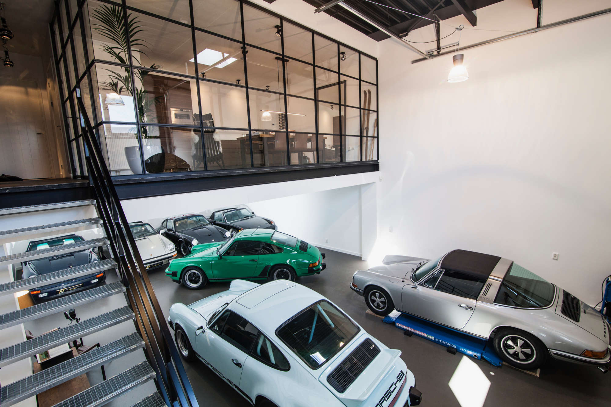 Van den Berg Car Classic NL showroom