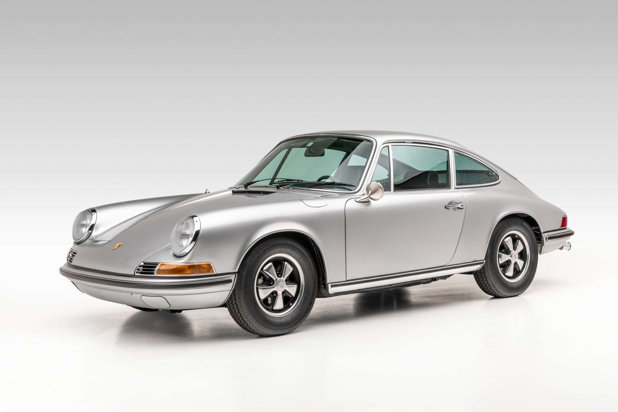 Porsche 911 T for sale in silver