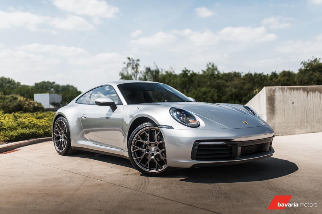 Porsche 992 Carrera 4