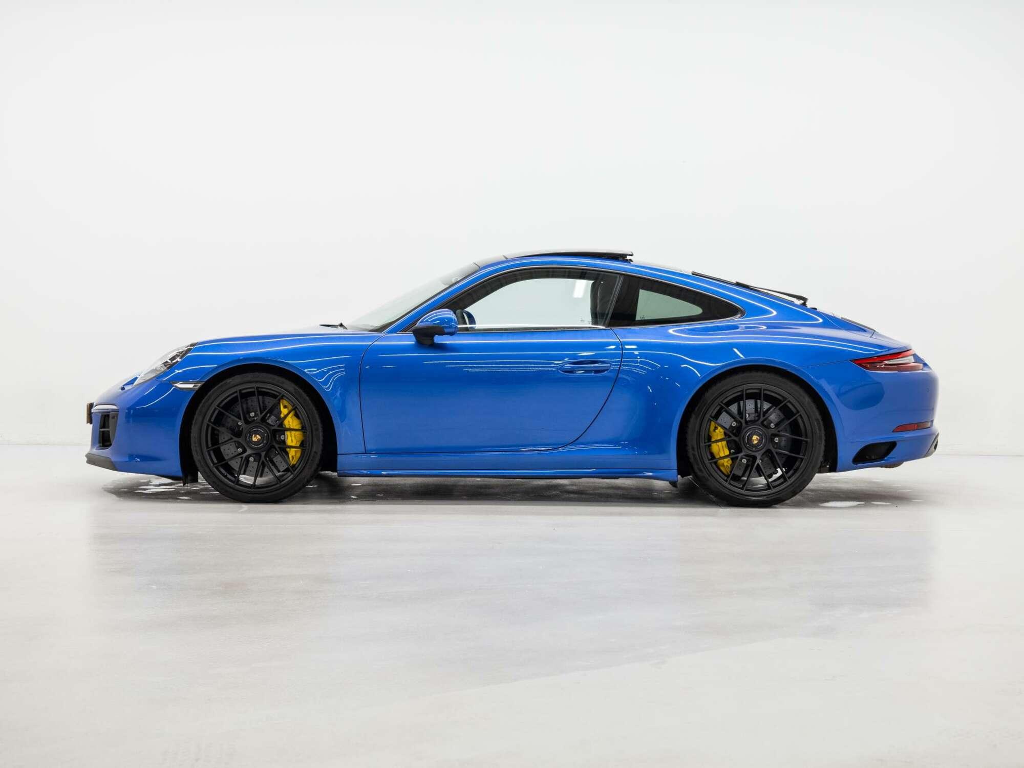 Porsche 991.2 Carrera 4 GTS