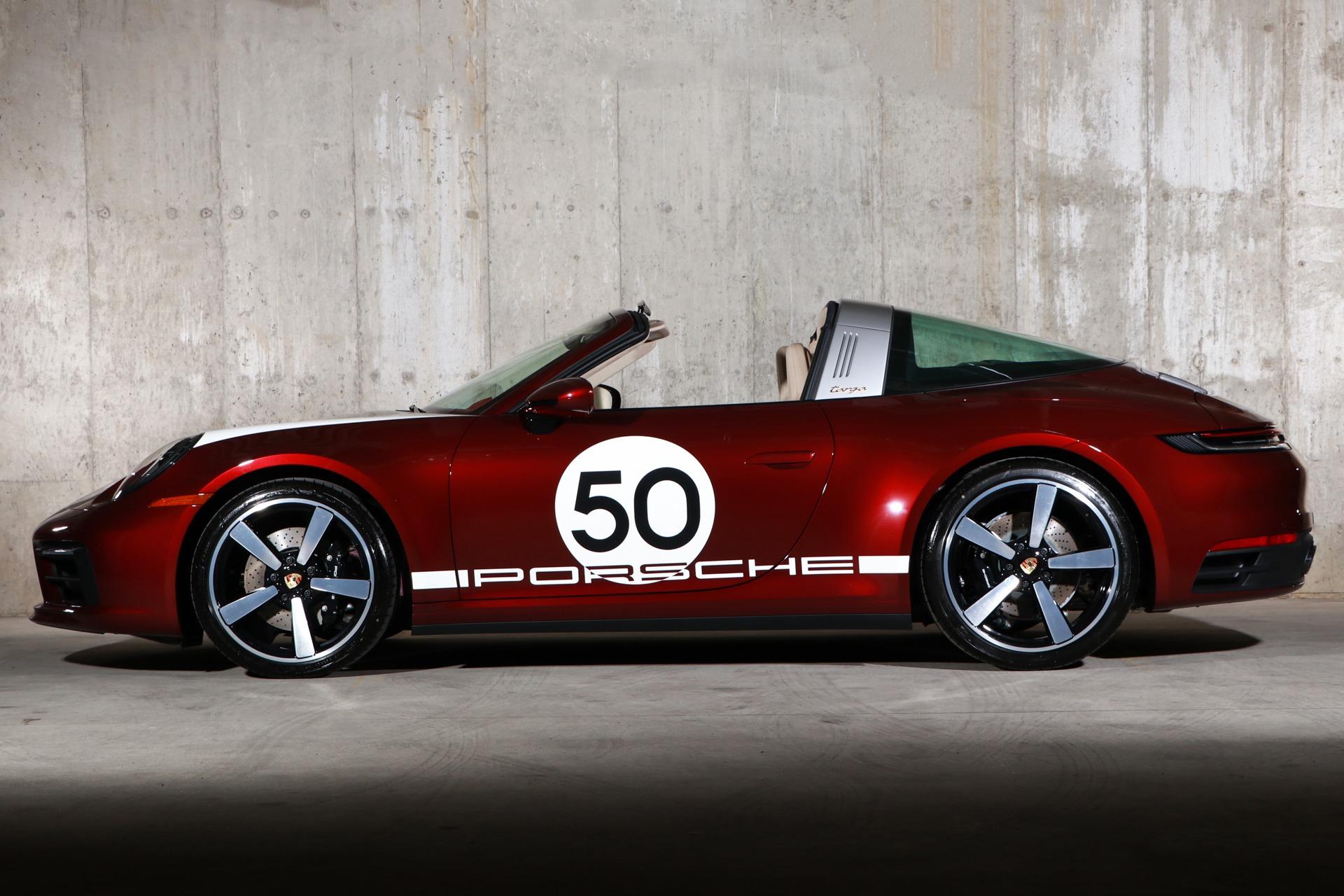 Porsche 992 Heritage Design Edition